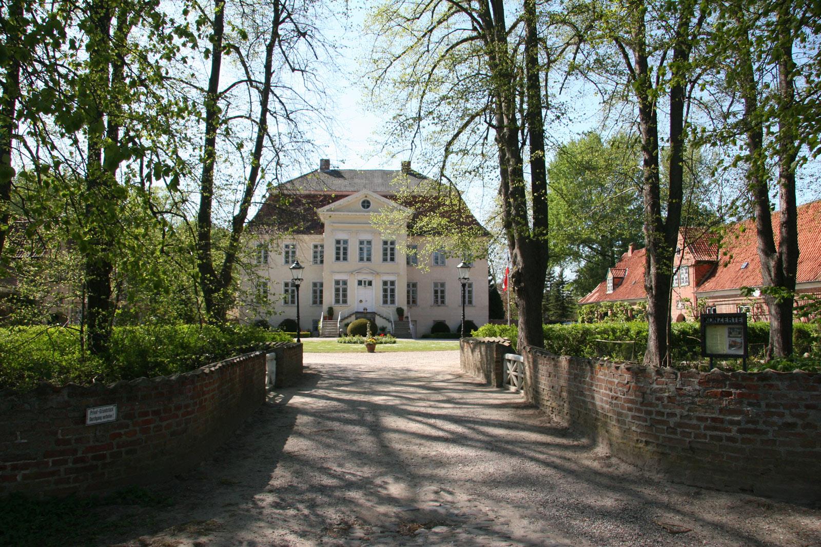 Gut Hasselburg, Herrenhaus